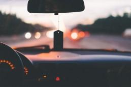 Comment faire pour pouvoir écouter une webradio en voiture ?