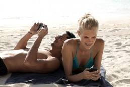La majorité des Français restent connectés pendant les vacances